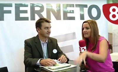 """Ferneto España na feira Salamaq 2015 com o canal """"8"""""""