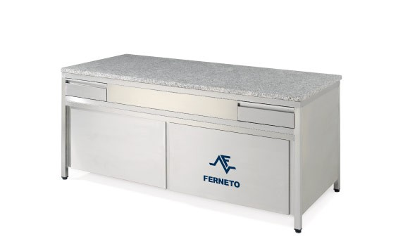 BAKERY TABLE 2000x900mm